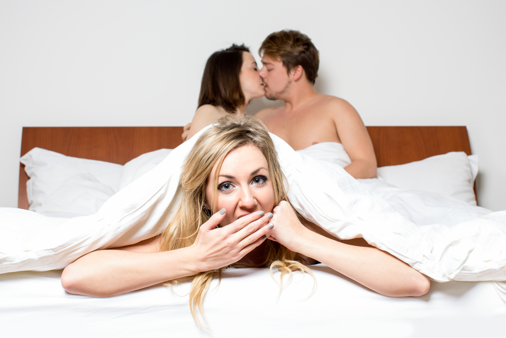 10 Clues Your Neighbours AreSwingers!